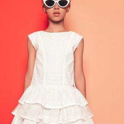 moderné dievčenské oblečenie