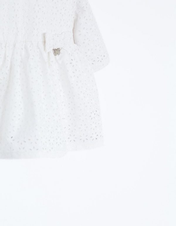 biele dojčenské šaty