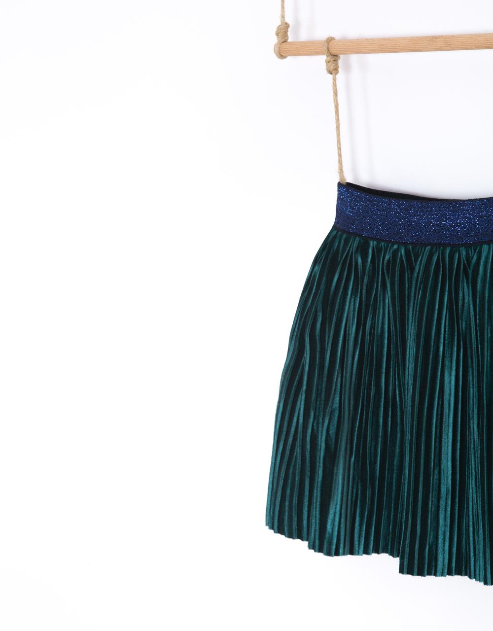 dievčenská sukňa zamatová