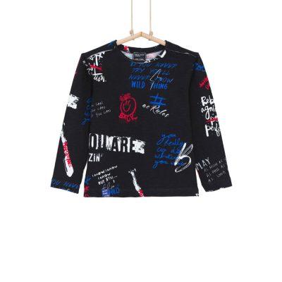 čierne chlapčenské tričko